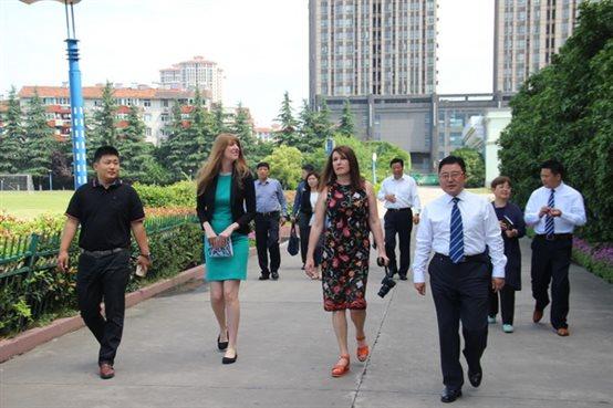 迎外国友人访问 促教育教学发展 - 一4班孩子的乐园 - 合肥光华学校 一(4)班的博客